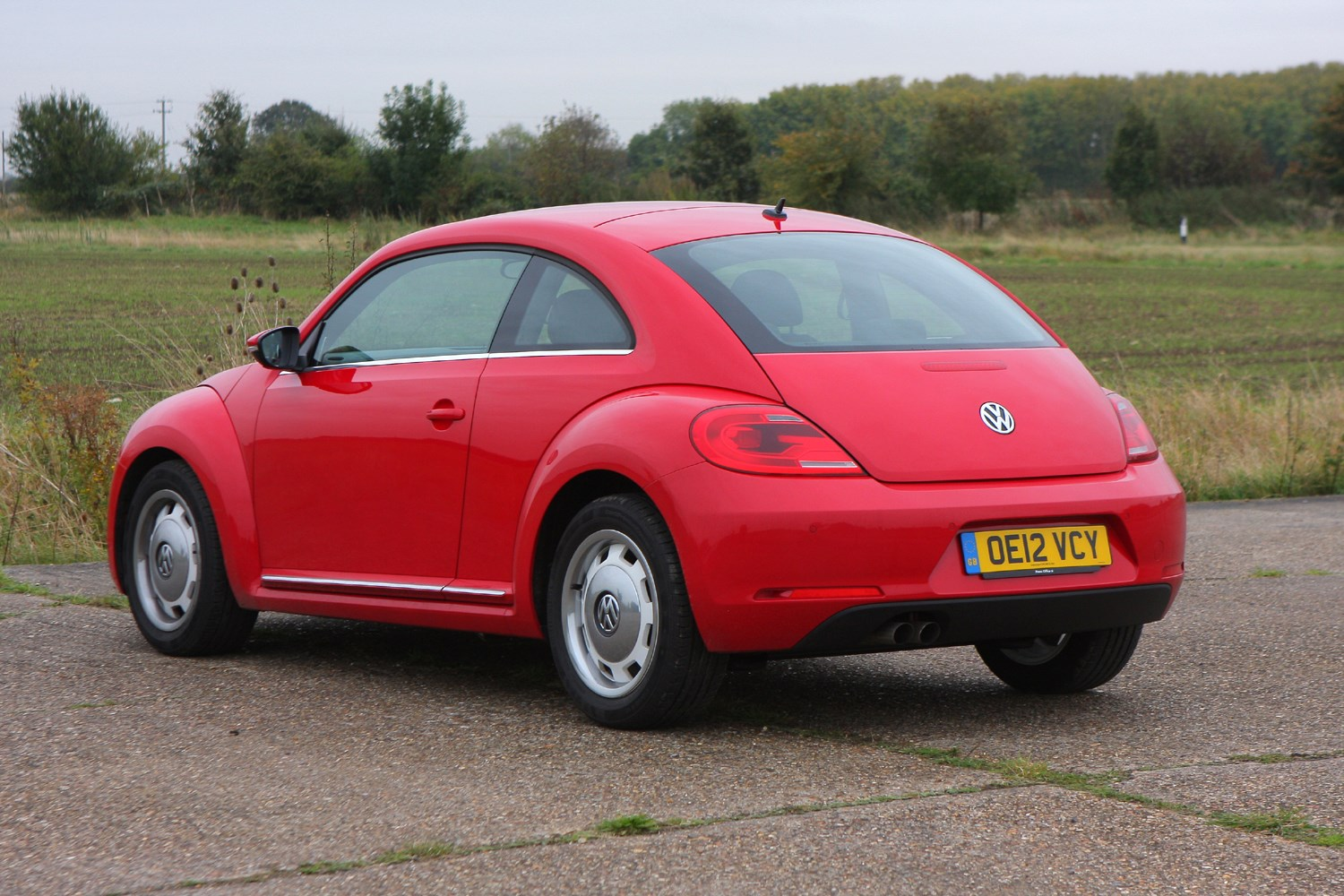 volkswagen beetle hatchback review 2012 parkers. Black Bedroom Furniture Sets. Home Design Ideas