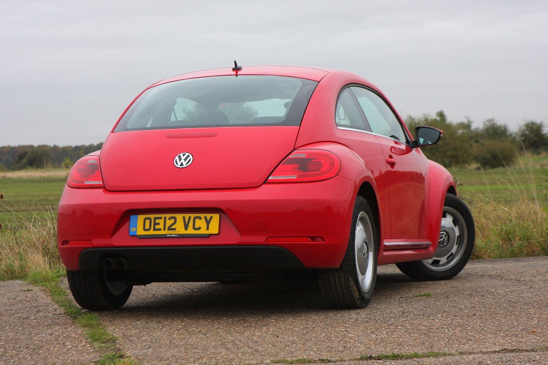 volkswagen beetle hatchback 2012 features equipment and accessories parkers