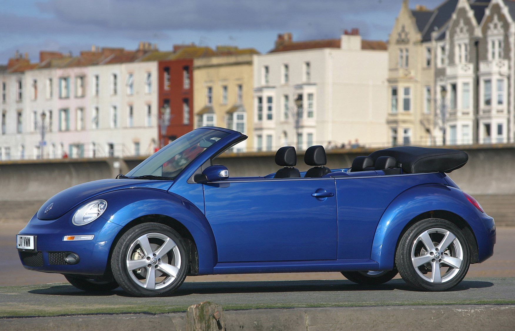 volkswagen beetle cabriolet review (2003 - 2010) | parkers