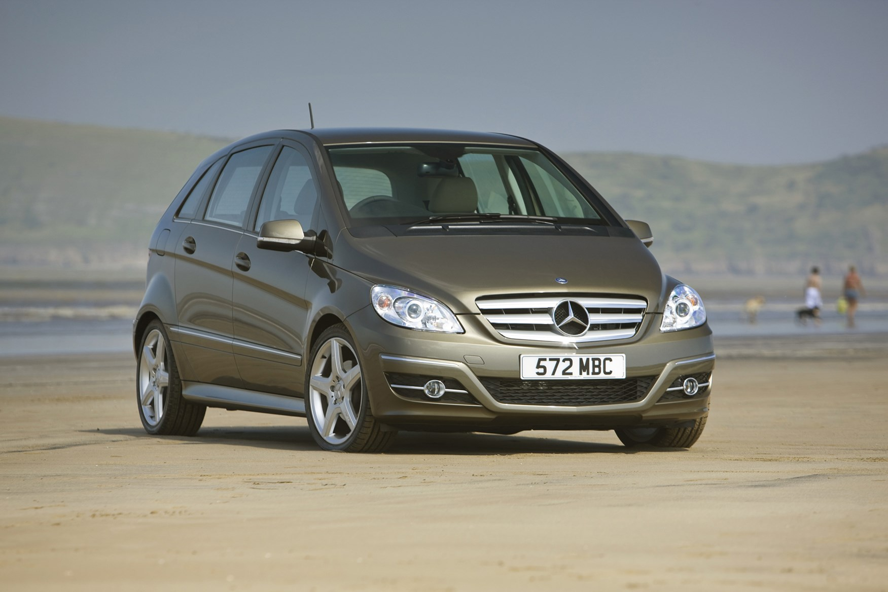 Mercedes benz b class hatchback review 2005 2011 parkers for Mercedes benz bclass