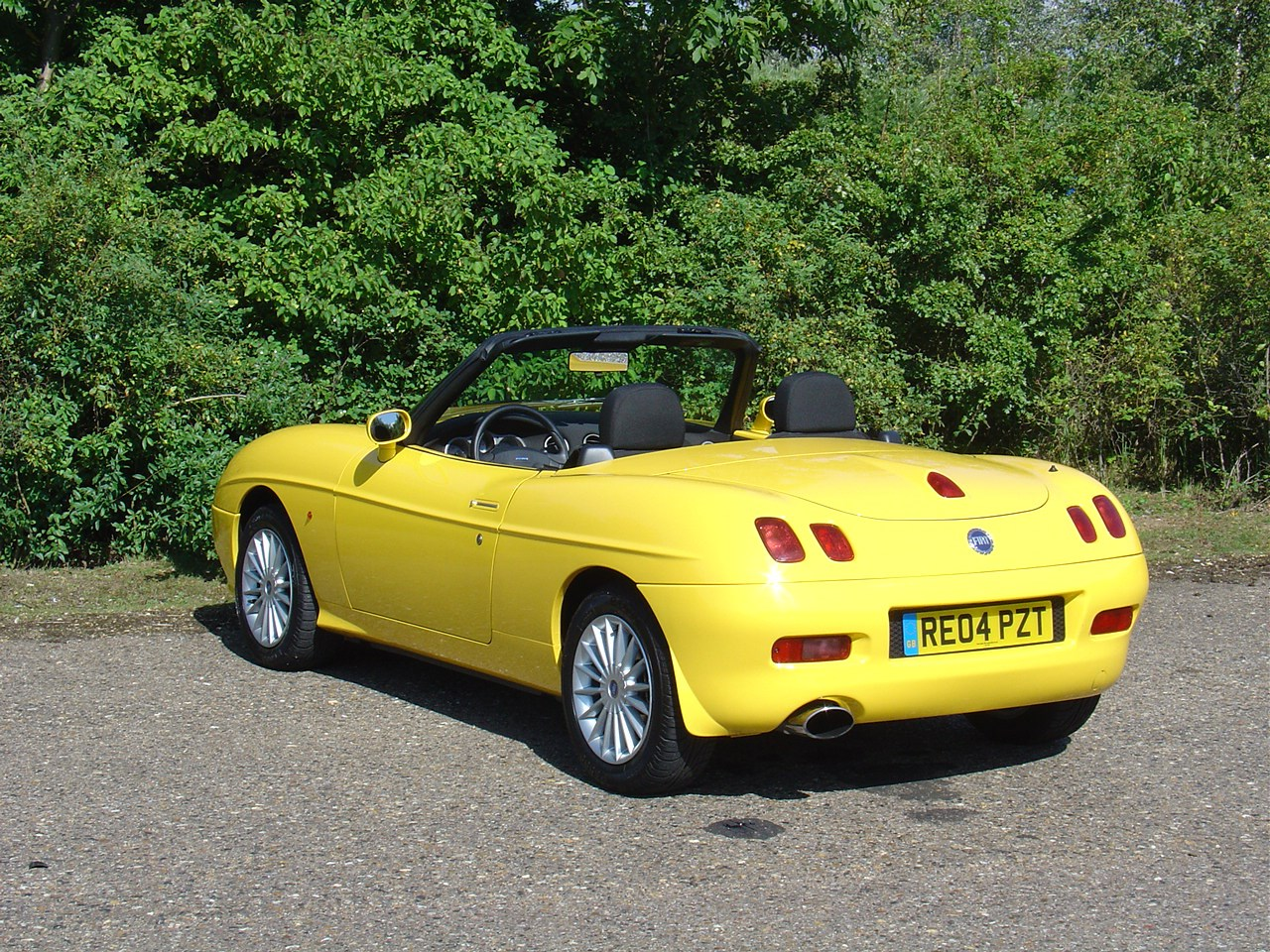 fiat barchetta convertible 1995 2005 features equipment and accessories parkers. Black Bedroom Furniture Sets. Home Design Ideas