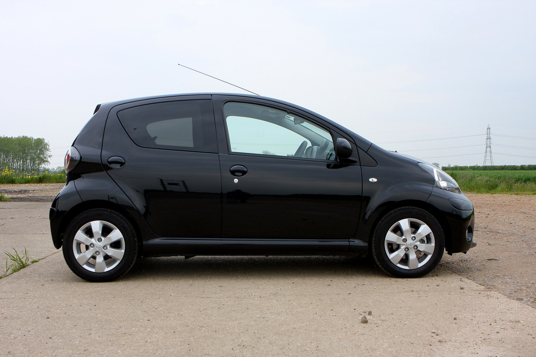 toyota aygo hatchback 2005 2014 running costs parkers. Black Bedroom Furniture Sets. Home Design Ideas