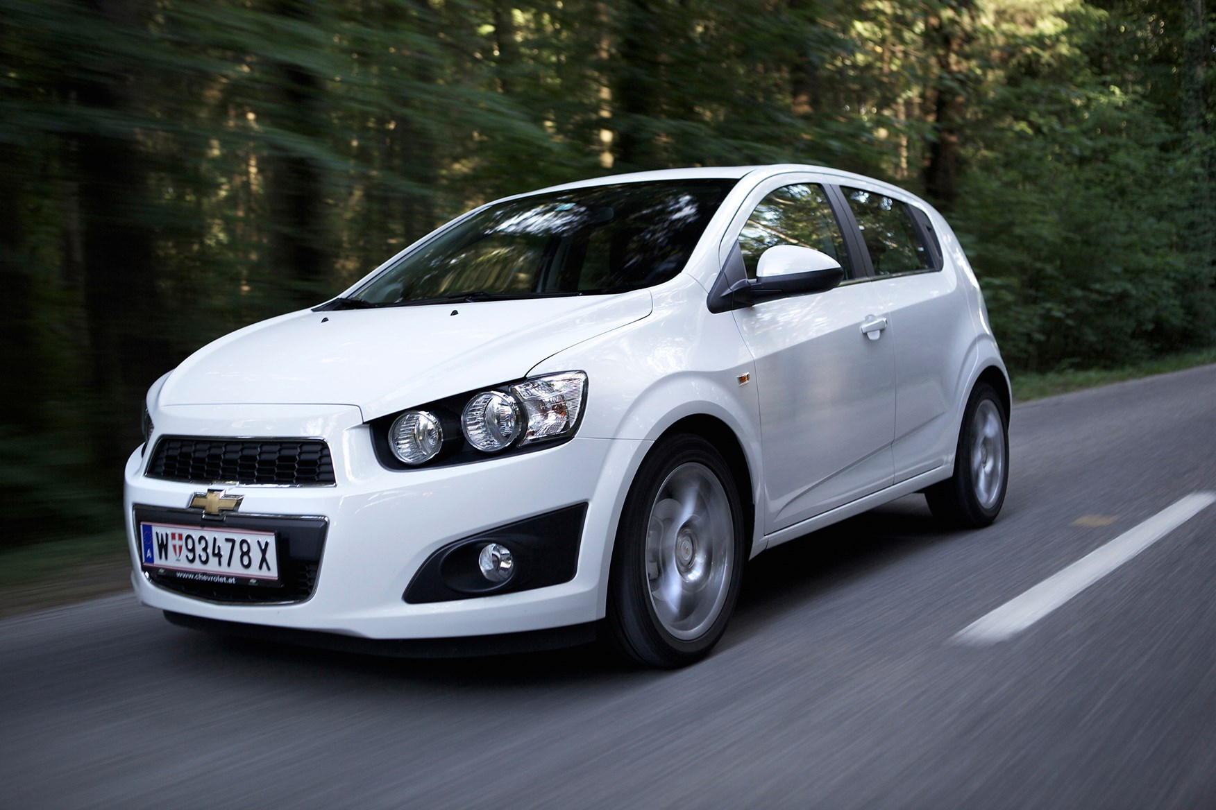 Chevrolet Aveo Hatchback Review (2011 - 2015) | Parkers