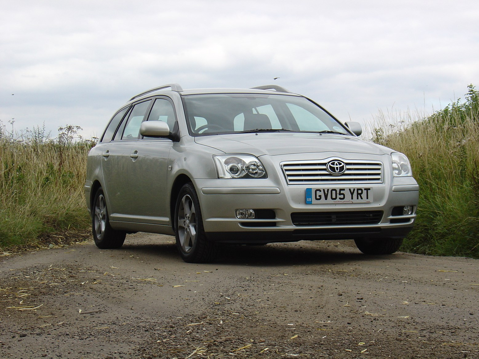 toyota avensis tourer review 2003 2008 parkers. Black Bedroom Furniture Sets. Home Design Ideas
