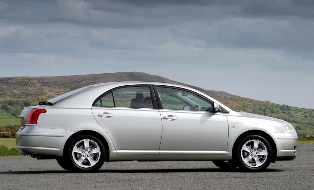 Used Toyota Avensis Hatchback 2003 2008 Review Parkers
