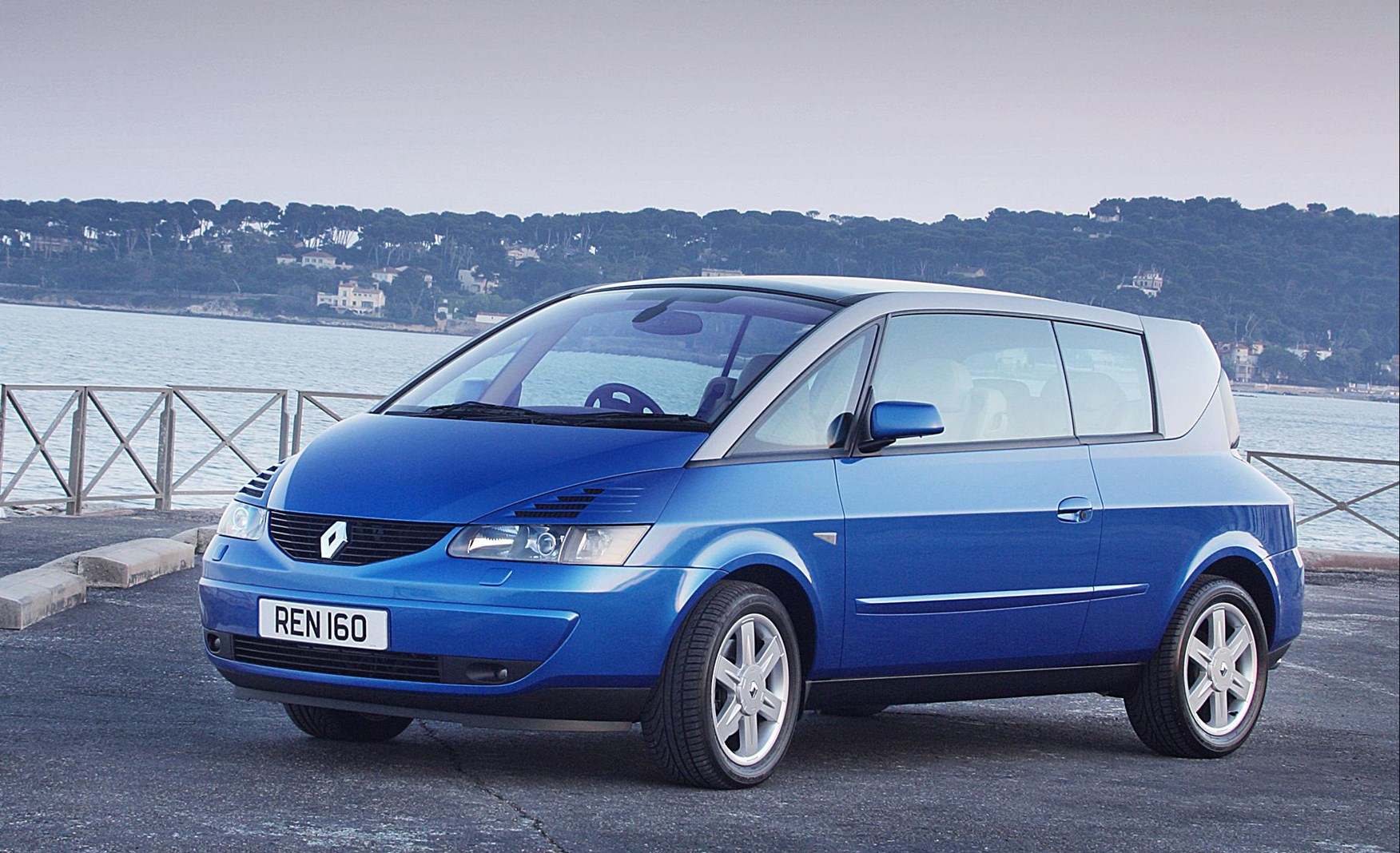 renault avantime coupe review 2002 2003 parkers. Black Bedroom Furniture Sets. Home Design Ideas