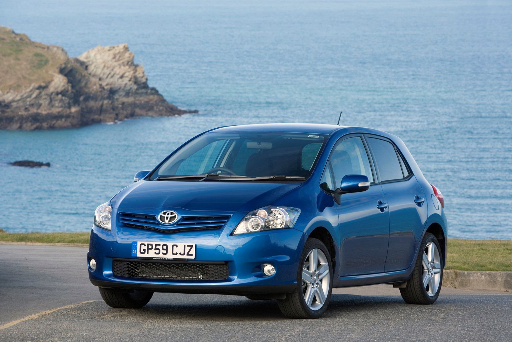 toyota auris hatchback 2007 2013 rivals parkers. Black Bedroom Furniture Sets. Home Design Ideas