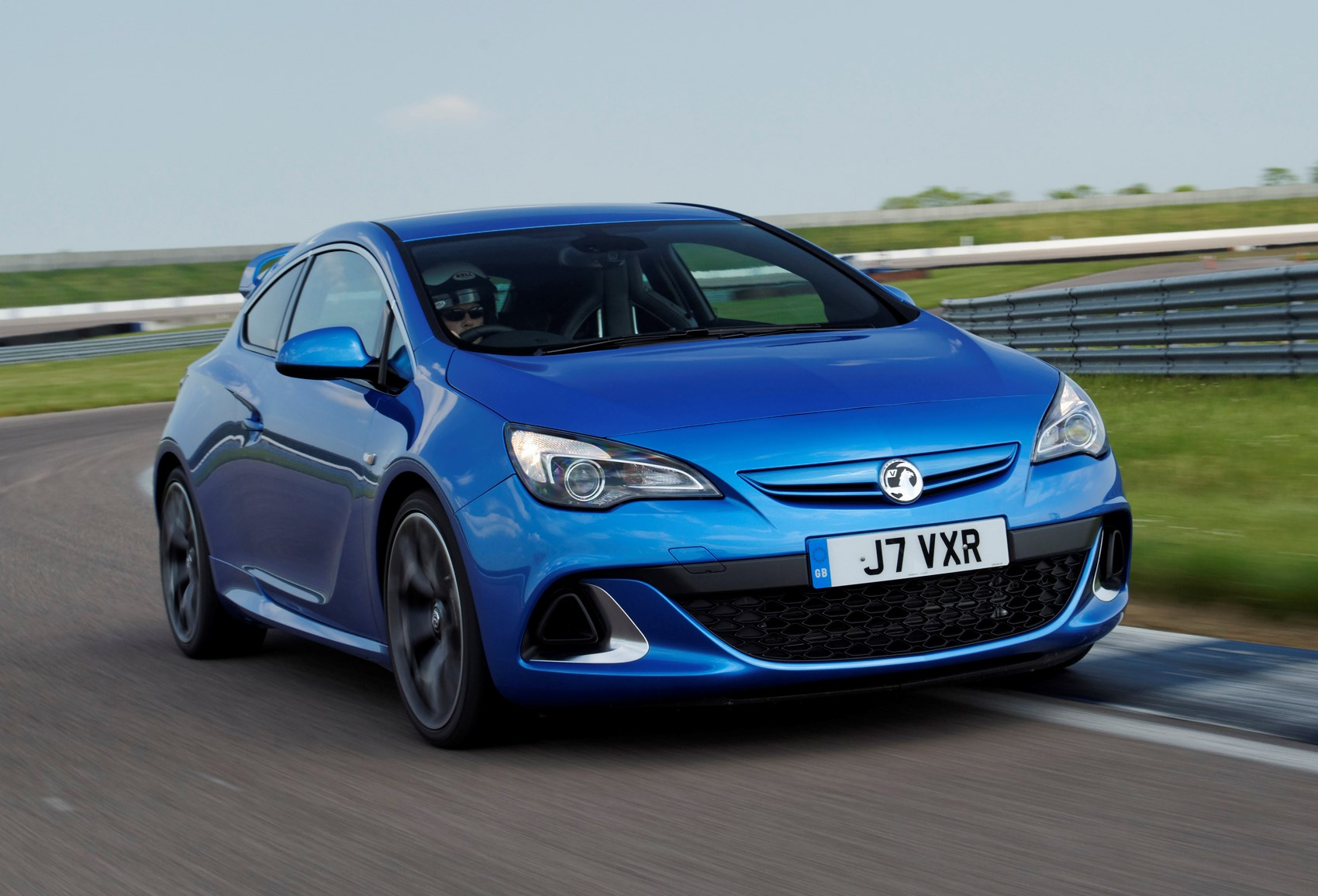 vauxhall astra vxr review 2012 2015 parkers