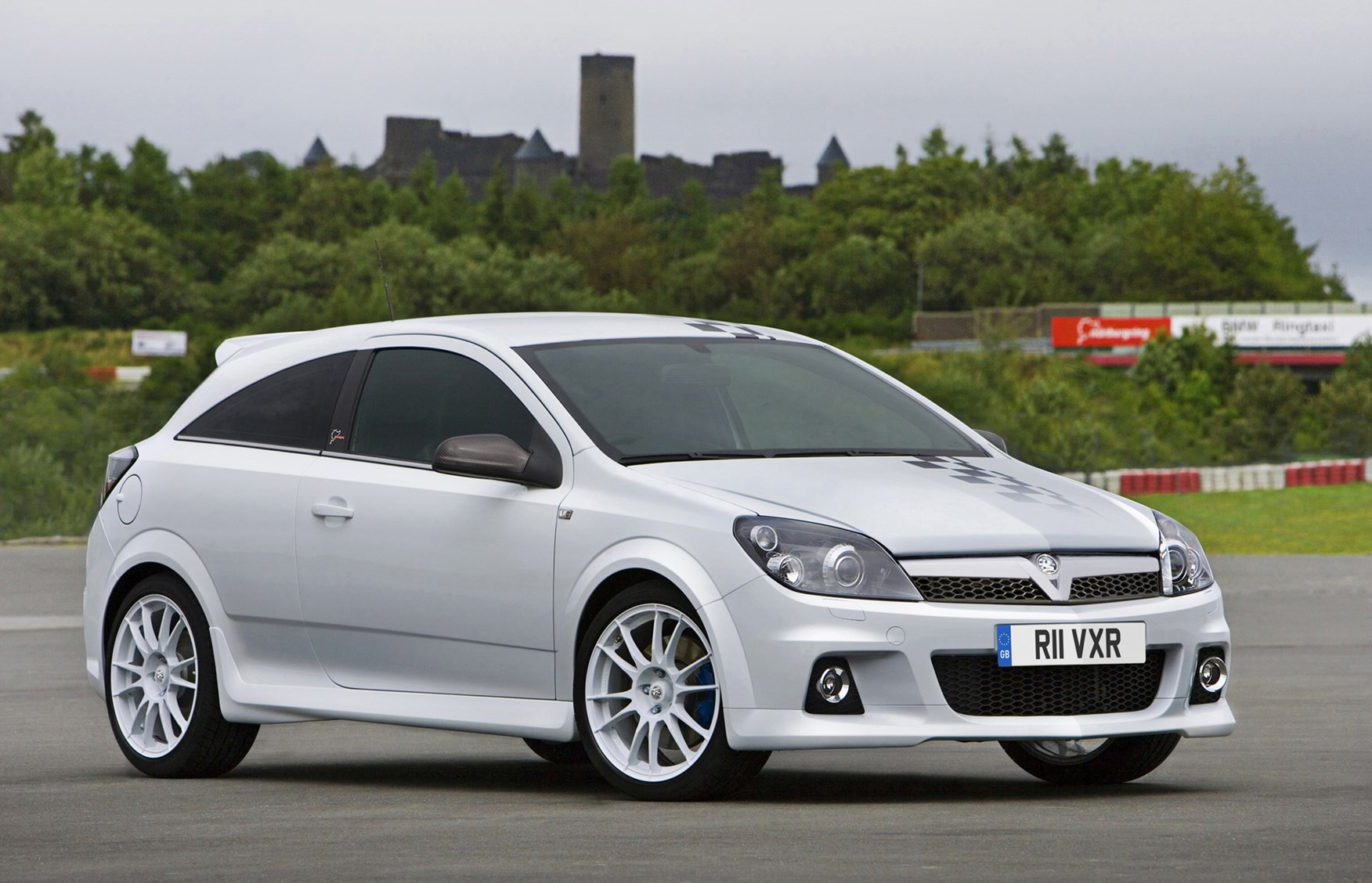 vauxhall astra vxr review 2005 2010 parkers. Black Bedroom Furniture Sets. Home Design Ideas