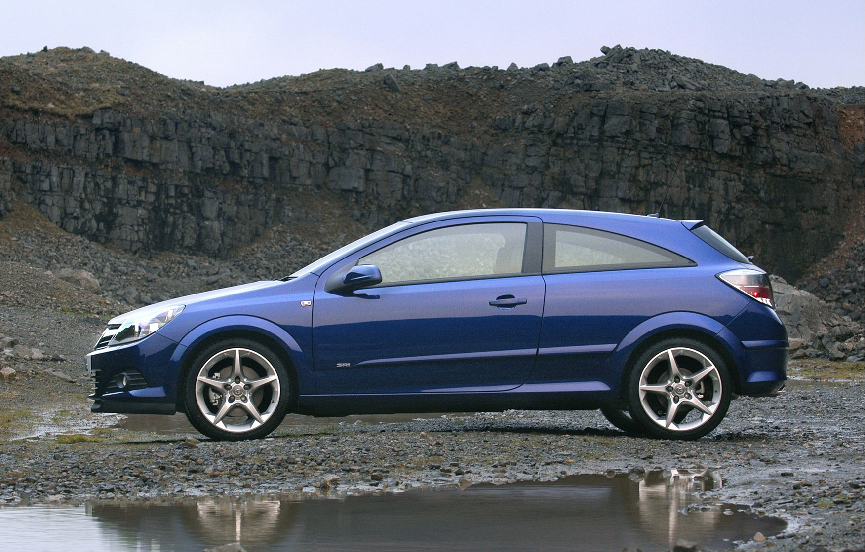 Vauxhall Astra Sport Hatch Review (2005   2010) | Parkers