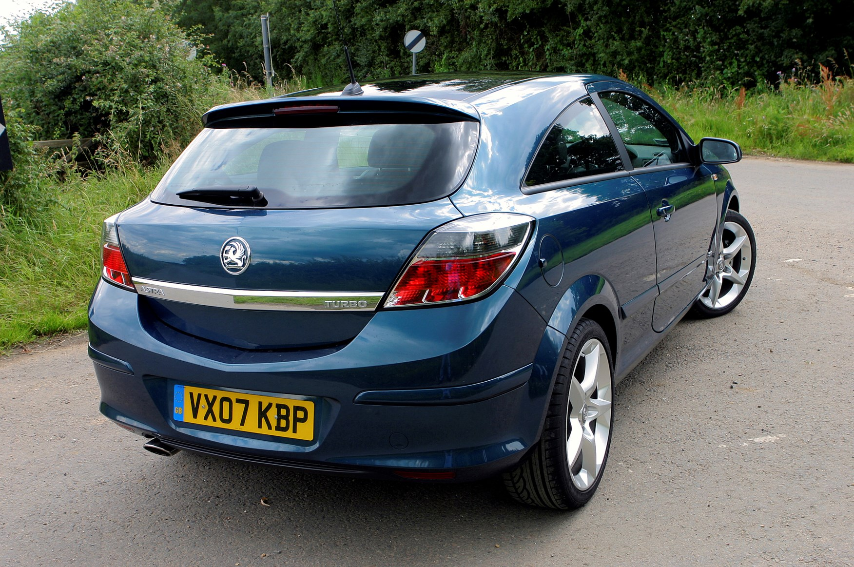 vauxhall astra sport hatch 2005 2010 photos parkers. Black Bedroom Furniture Sets. Home Design Ideas