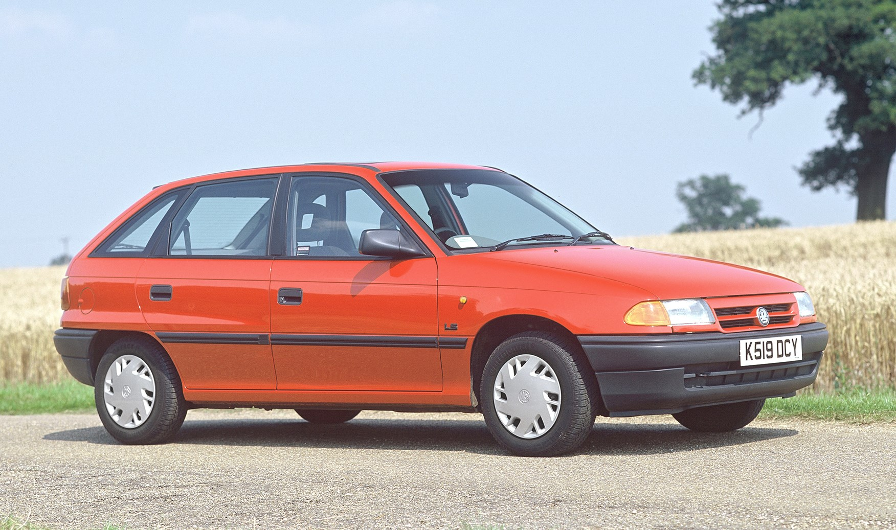 Vauxhall Astra Hatchback Review (1991   1998)   Parkers