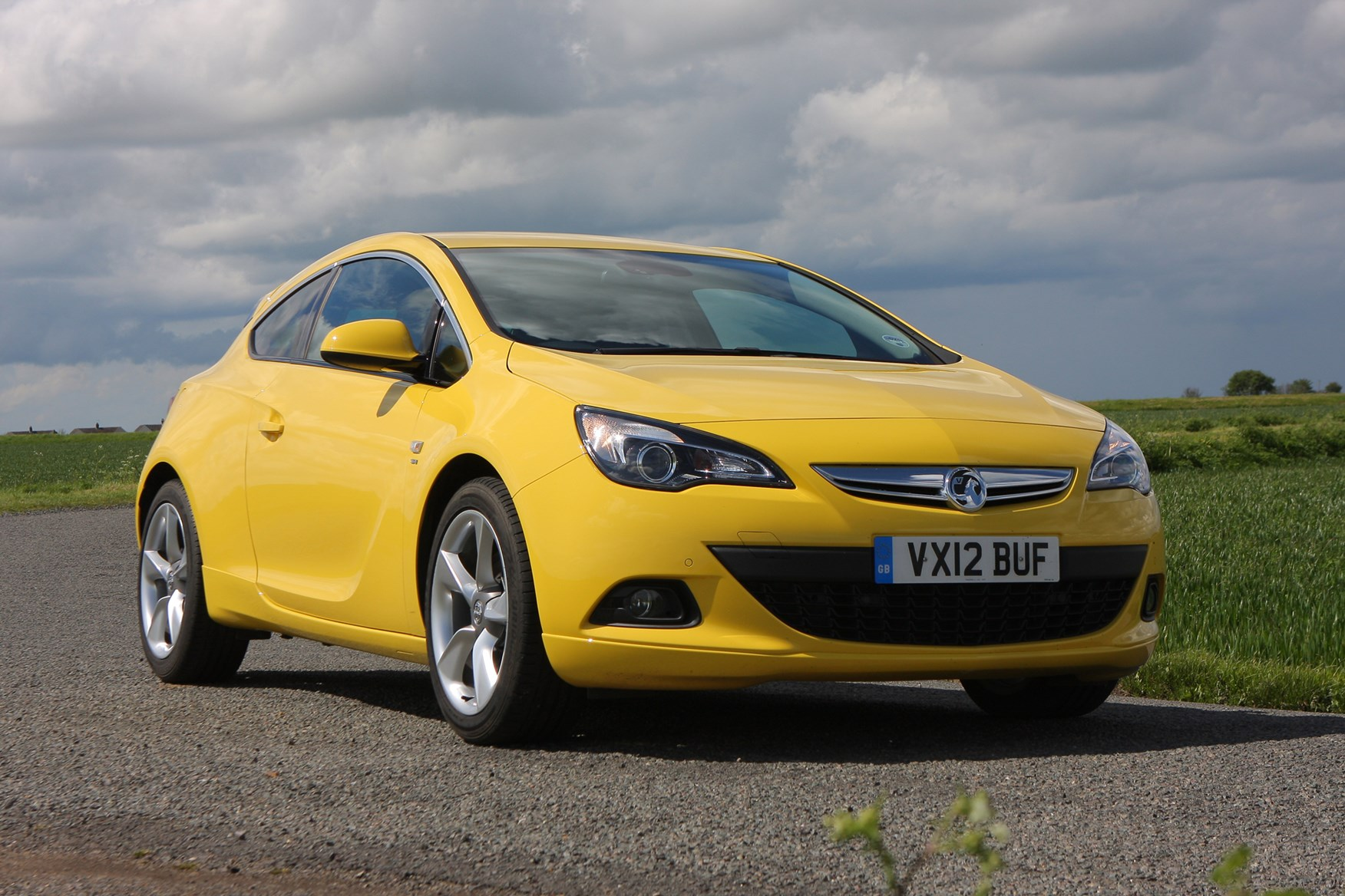 vauxhall astra gtc coupe review 2011 parkers. Black Bedroom Furniture Sets. Home Design Ideas