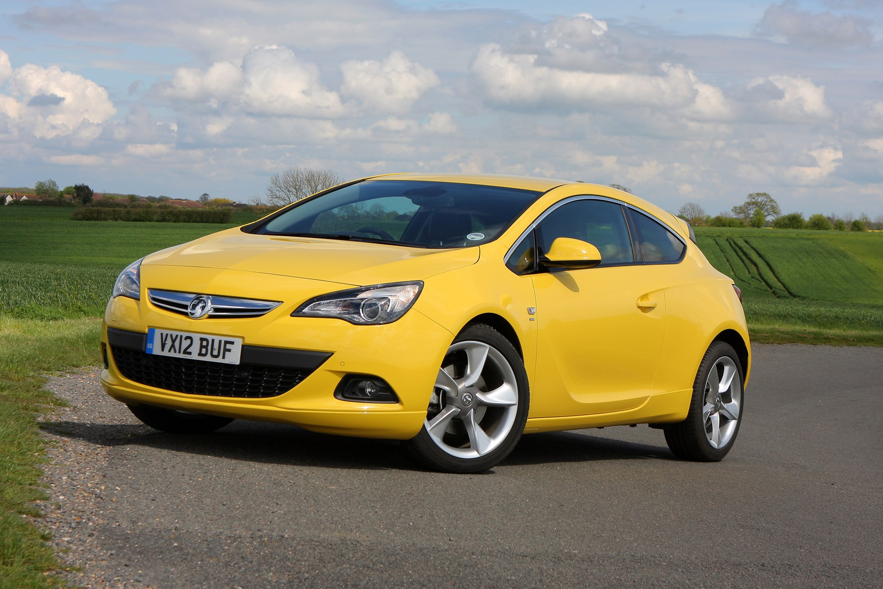 vauxhall astra gtc coupe 2011 photos parkers. Black Bedroom Furniture Sets. Home Design Ideas
