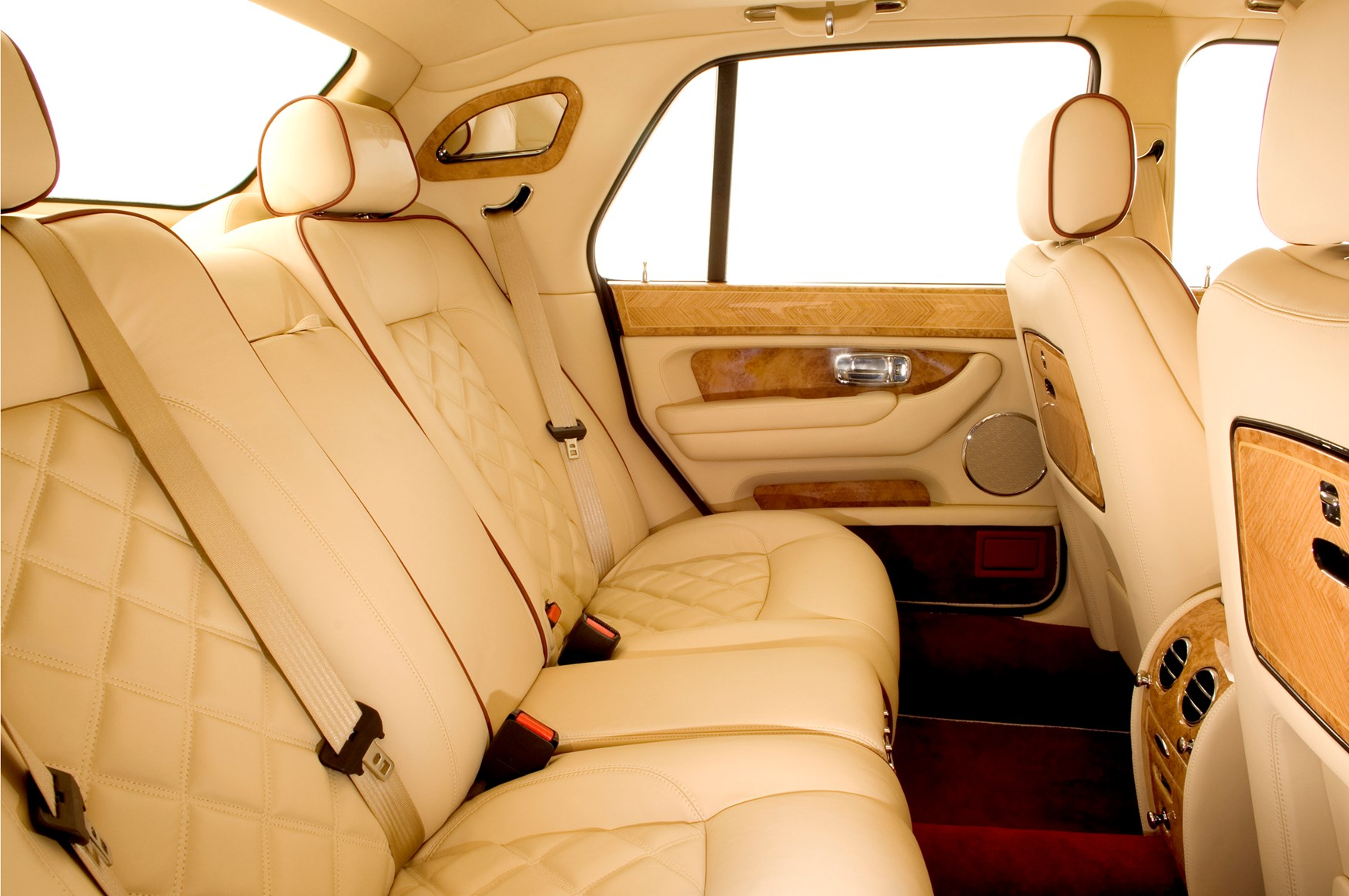 bentley arnage saloon review   parkers