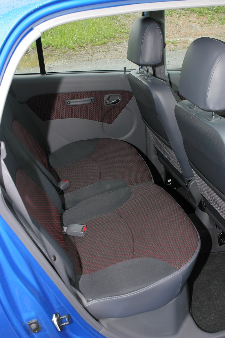 Hyundai Amica Hatchback Review 2006 2009 Parkers