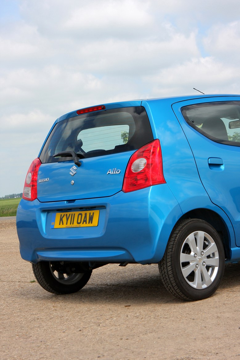 Suzuki Alto Hatchback Review (2009 - 2014)   Parkers