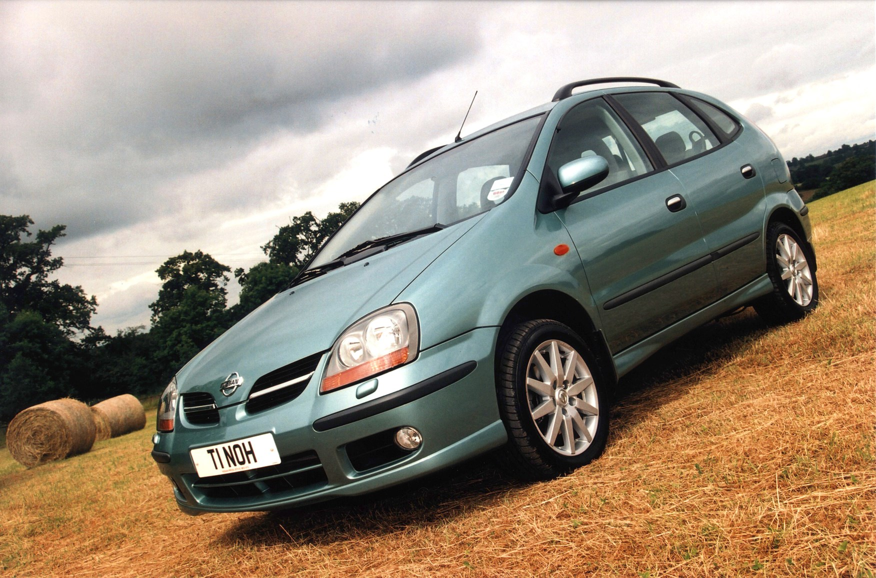 Nissan almera tino estate review 2000 2005 parkers vanachro Gallery
