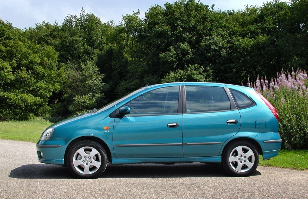 Nissan Almera Tino Estate Review (2000 - 2005) | Parkers