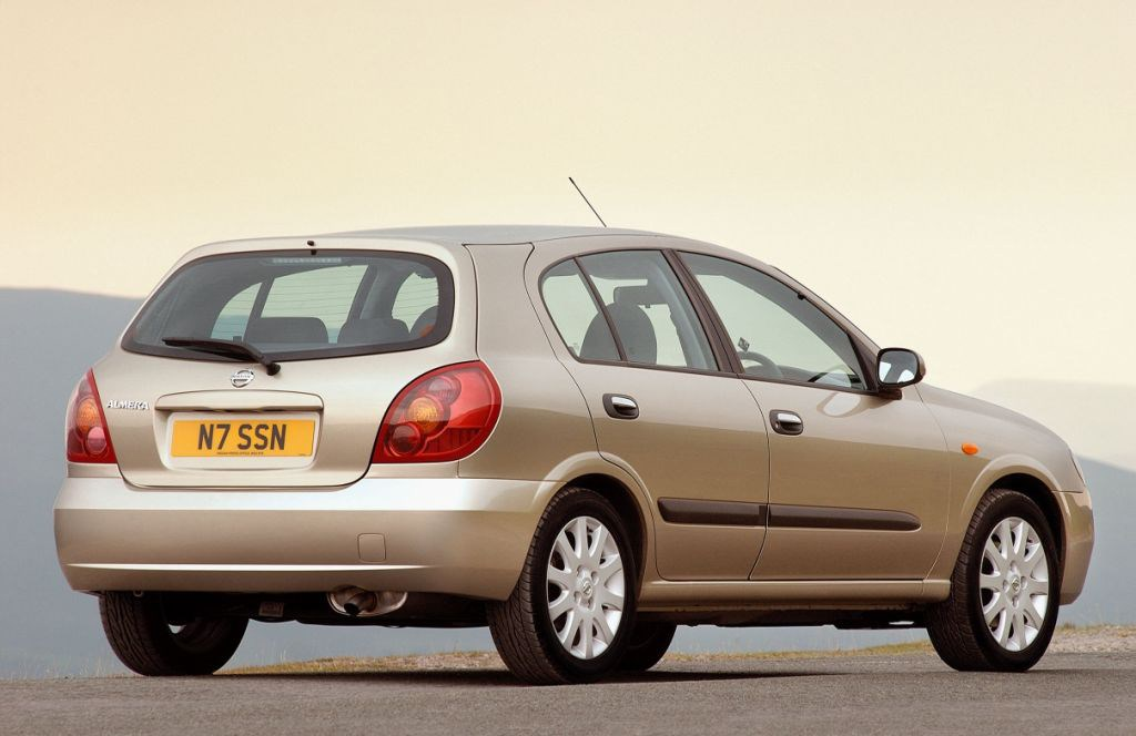Nissan Almera Hatchback Review 2000 2006 Parkers