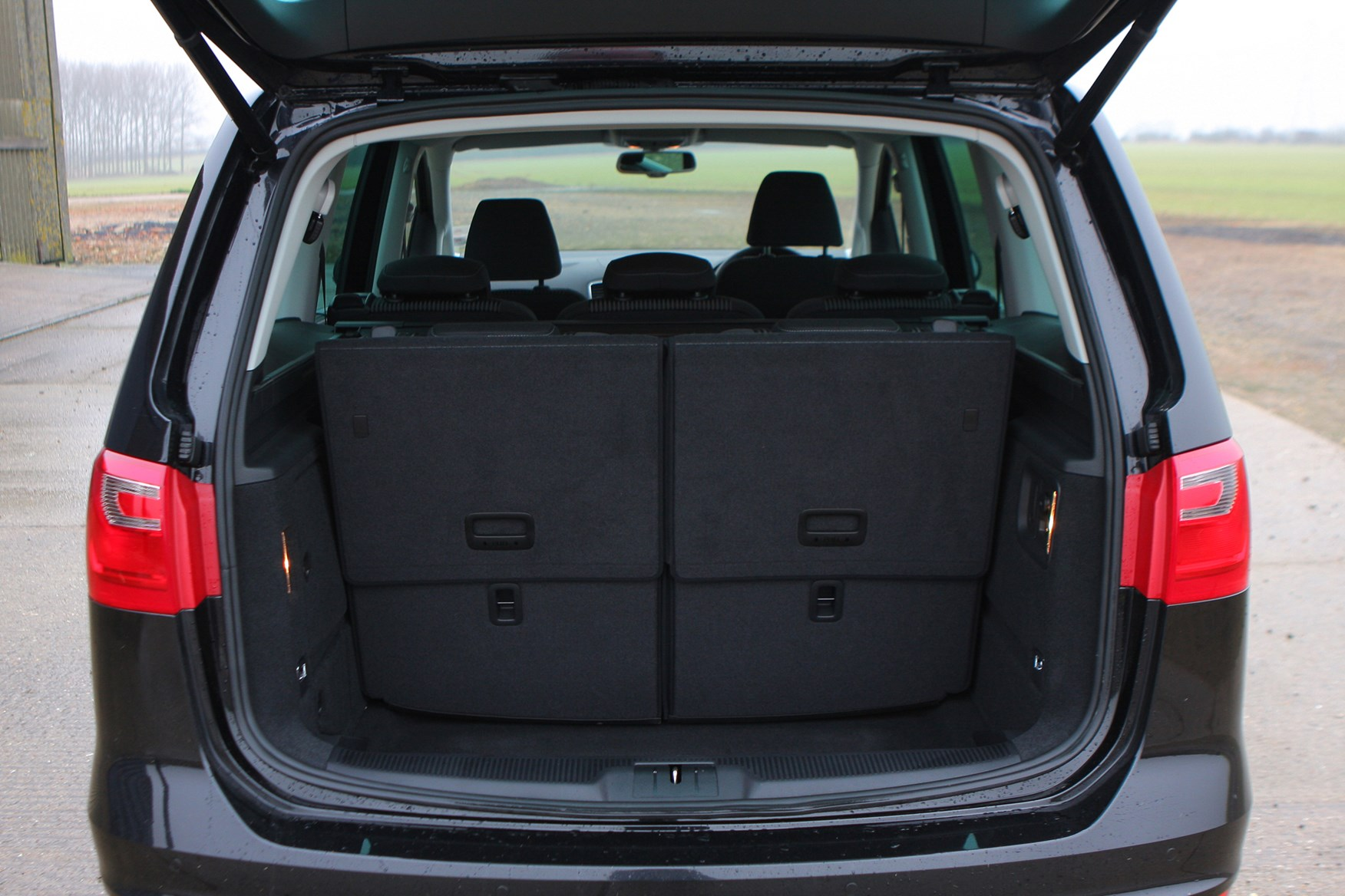 Seat Alhambra Estate 2010 Features Equipment And