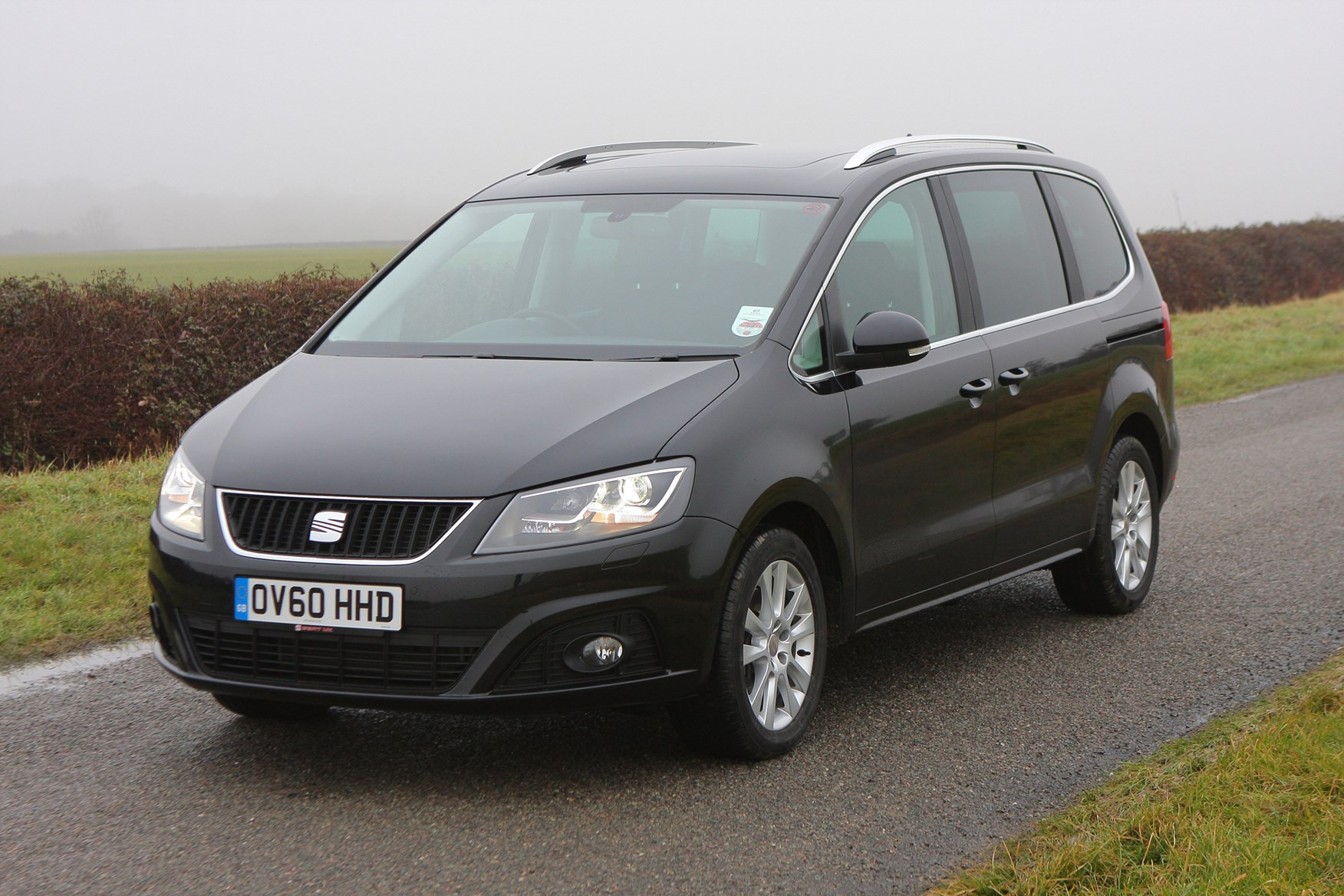 seat alhambra estate review 2010 parkers. Black Bedroom Furniture Sets. Home Design Ideas