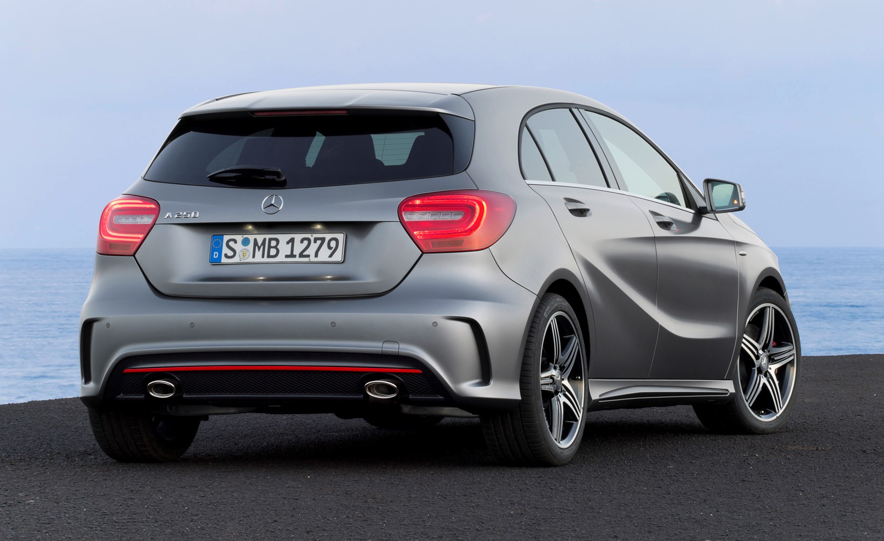 Mercedes benz a class review parkers for Mercedes benz average price