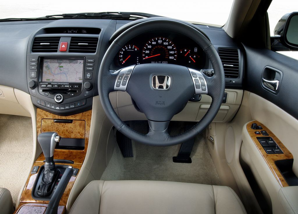honda accord saloon review 2003 2008 parkers. Black Bedroom Furniture Sets. Home Design Ideas