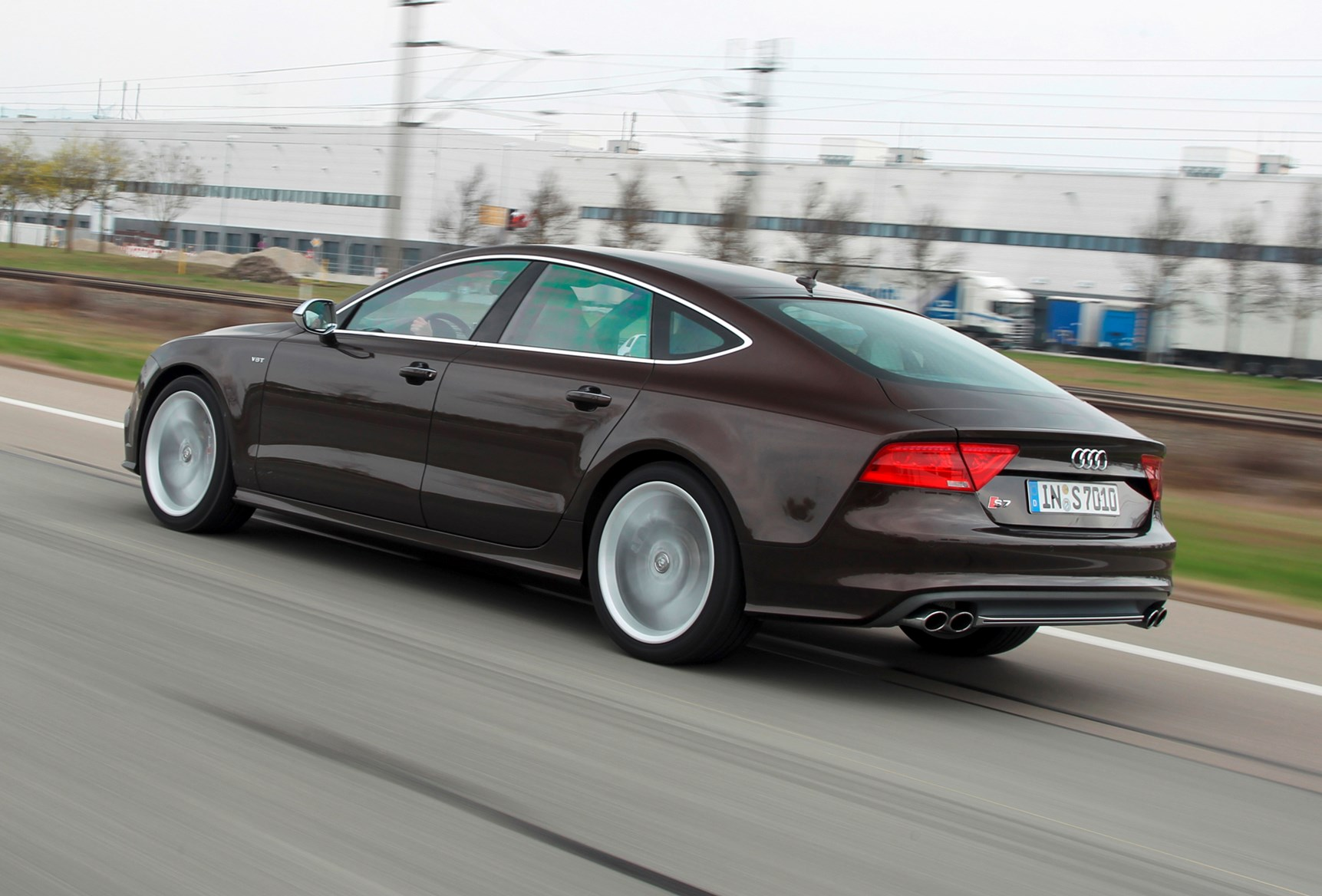 audi a7 s7 2012 features equipment and accessories parkers. Black Bedroom Furniture Sets. Home Design Ideas