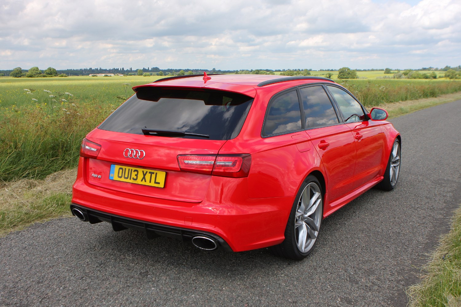 audi a6 rs6 avant 2013 driving performance parkers. Black Bedroom Furniture Sets. Home Design Ideas