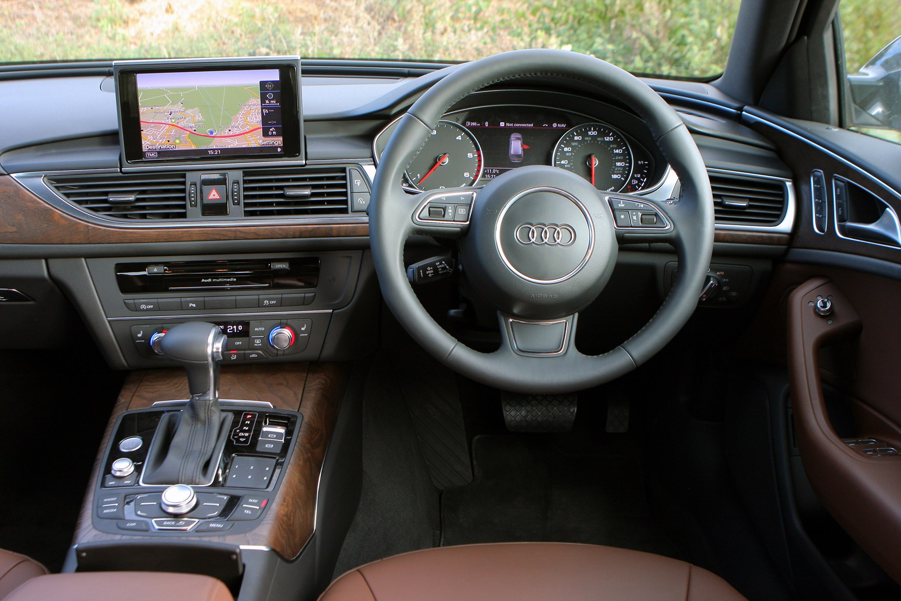 audi a6 avant 2011 features equipment and accessories parkers. Black Bedroom Furniture Sets. Home Design Ideas