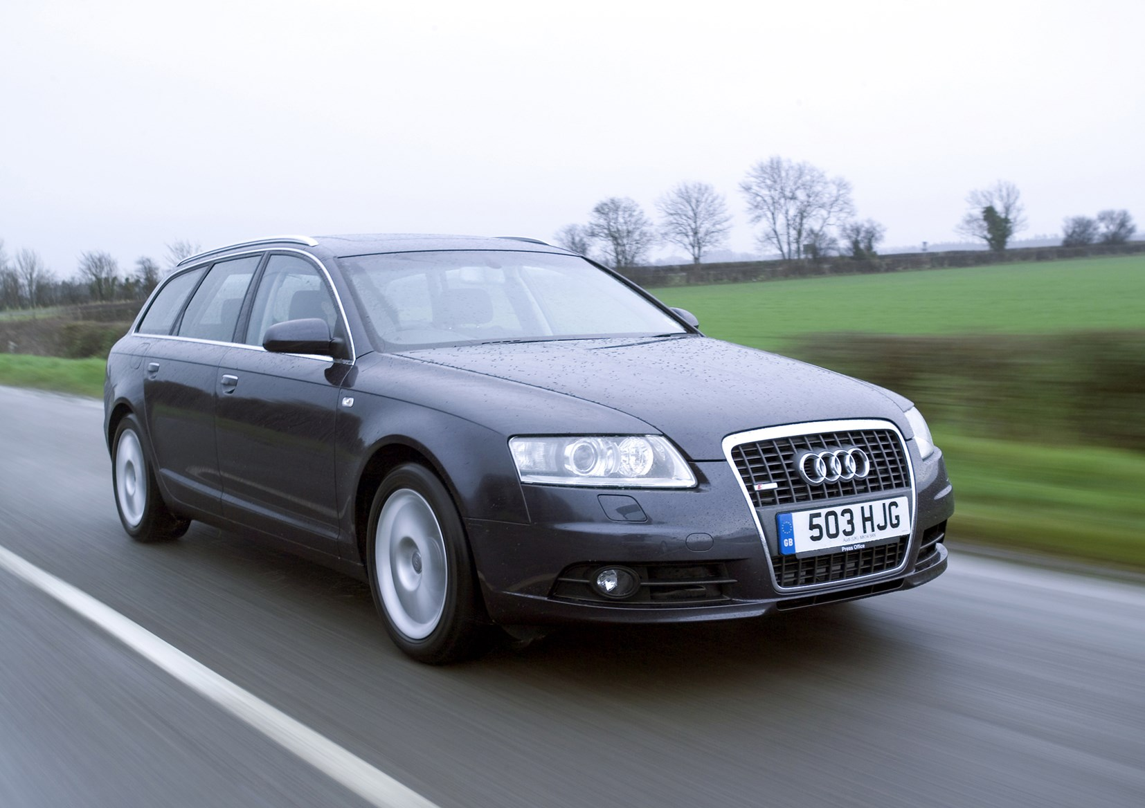 audi a6 avant 2005 2011 features equipment and. Black Bedroom Furniture Sets. Home Design Ideas