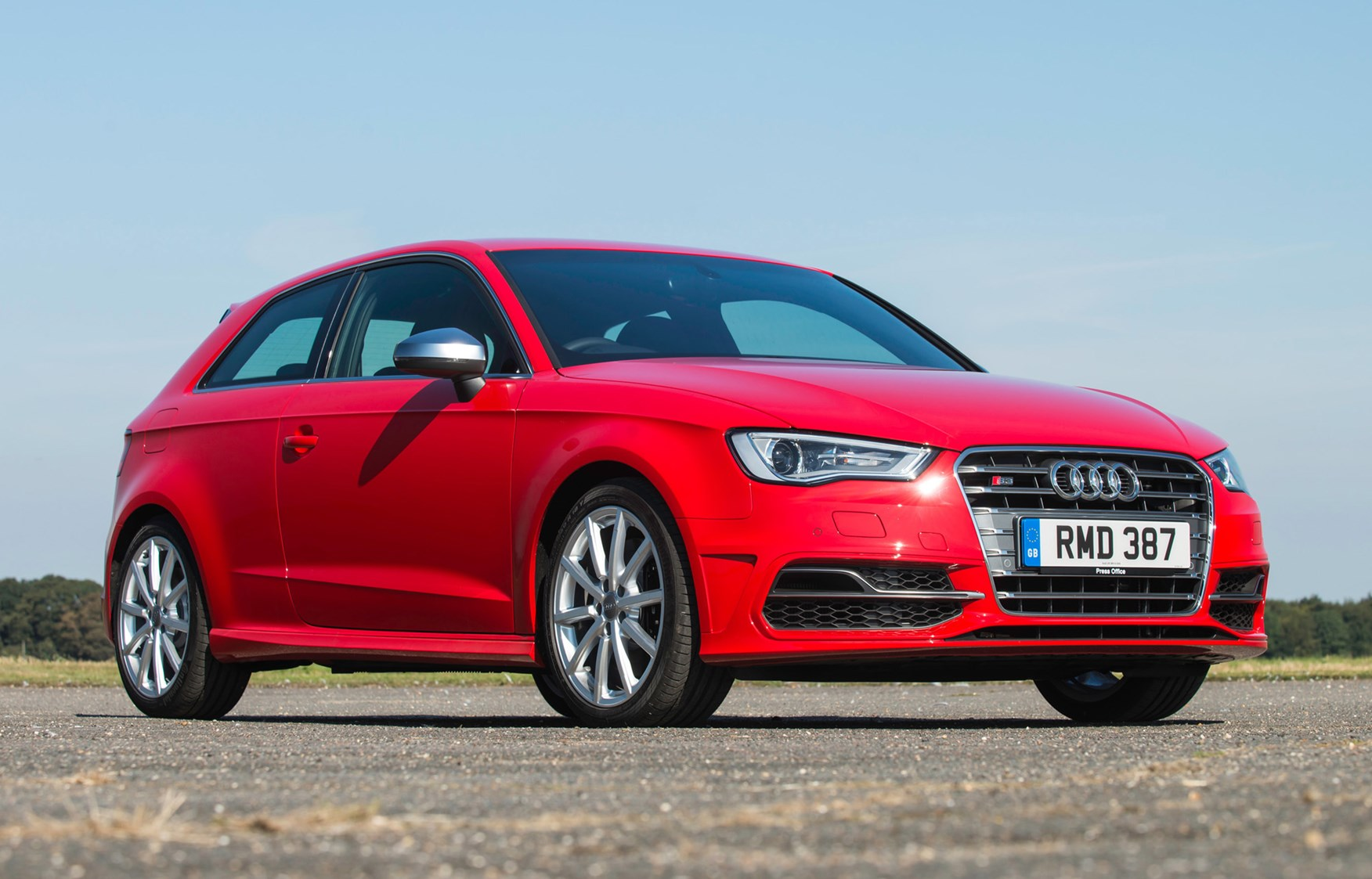 audi a3 s3 2013 2016 features equipment and accessories parkers. Black Bedroom Furniture Sets. Home Design Ideas