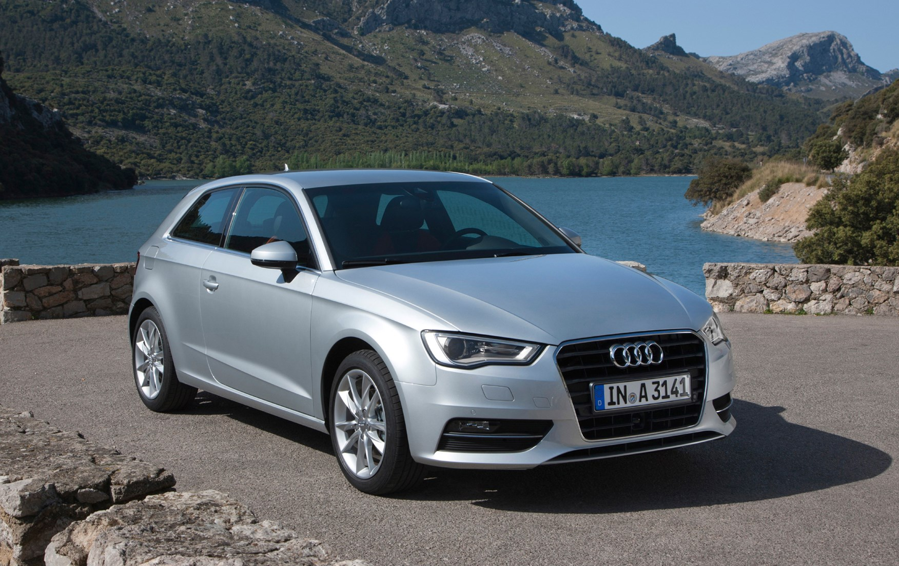 audi a3 hatchback 2012 features equipment and accessories parkers. Black Bedroom Furniture Sets. Home Design Ideas