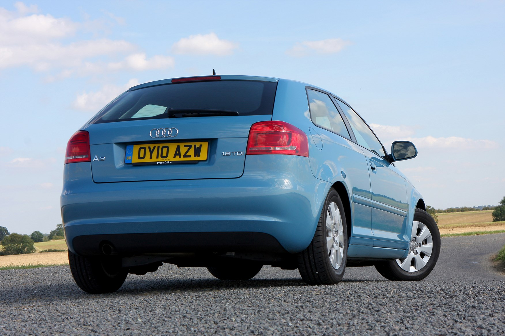 audi a3 hatchback 2003 2012 features equipment and accessories parkers. Black Bedroom Furniture Sets. Home Design Ideas