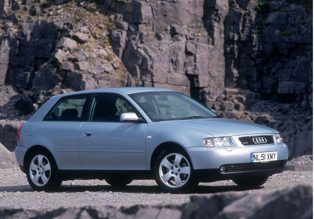 audi a3 hatchback 1996 2003 features equipment and accessories parkers. Black Bedroom Furniture Sets. Home Design Ideas