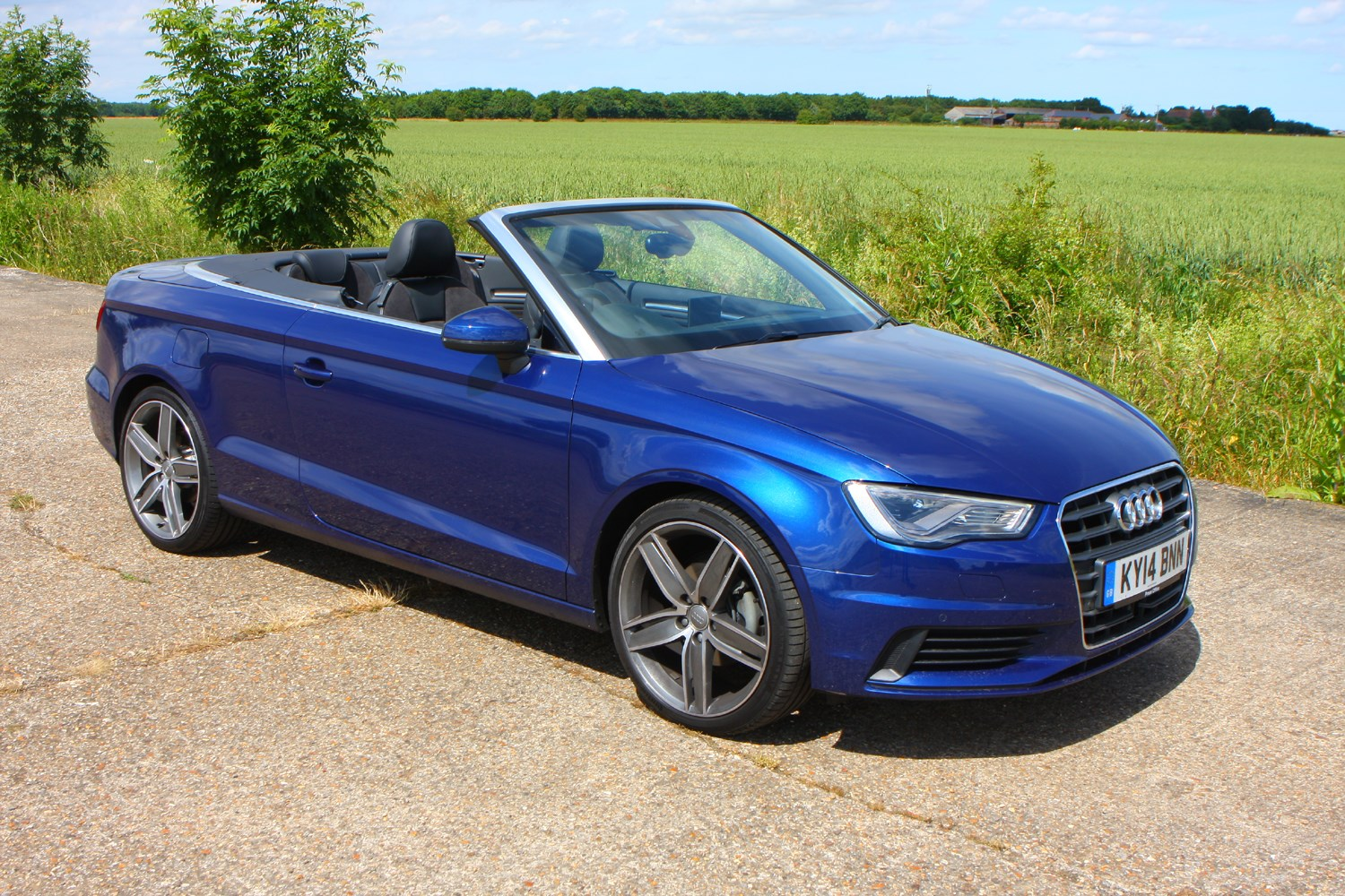 audi a3 cabriolet 2014 features equipment and. Black Bedroom Furniture Sets. Home Design Ideas