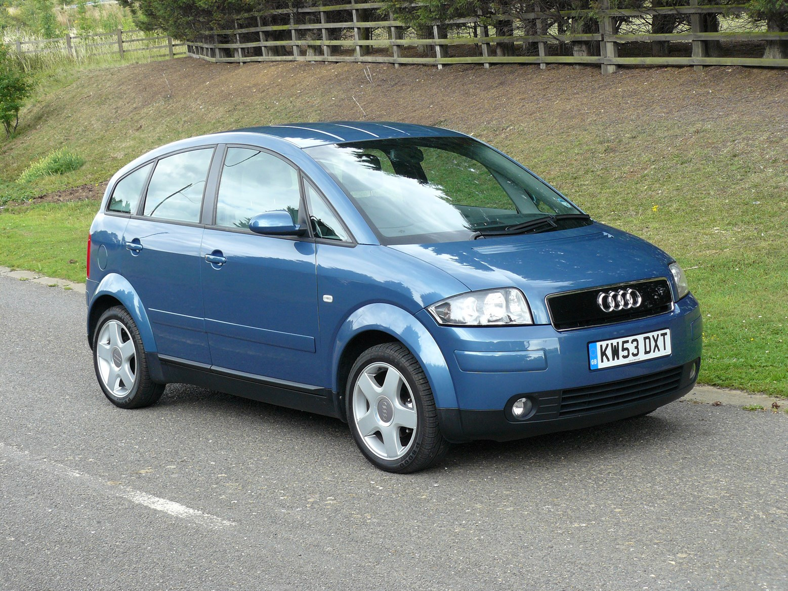 Audi A2 Hatchback 2000 2005 Photos Parkers