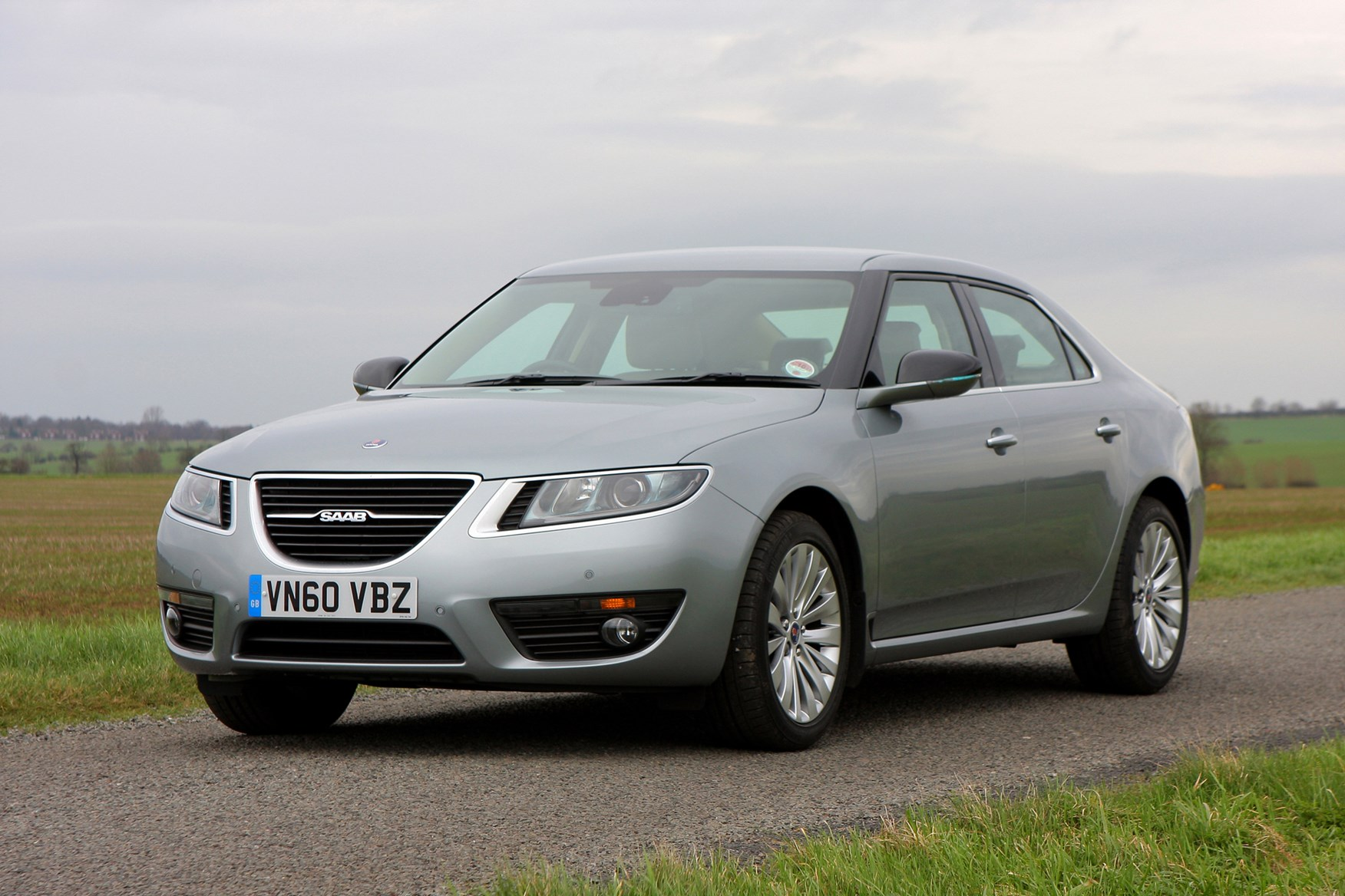 Saab 9 5 Saloon Review 2010 2011 Parkers