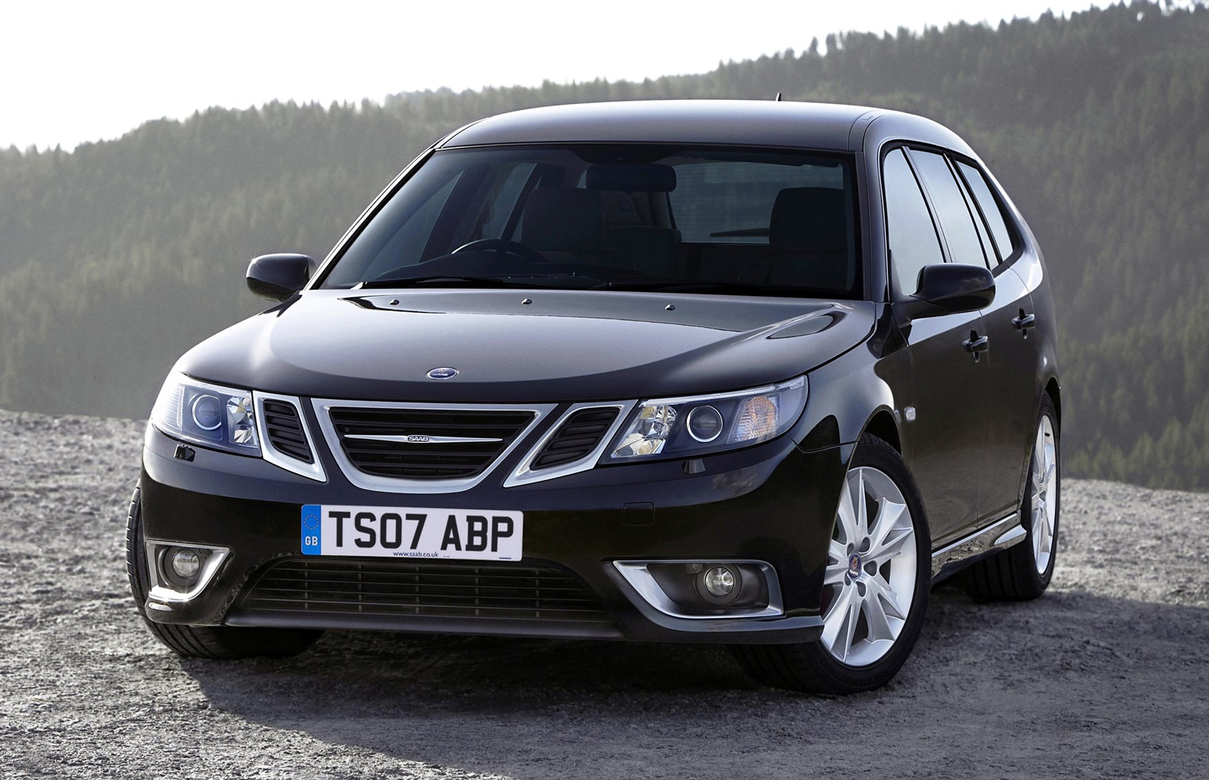 saab 9 3 sportwagon 2005 2011 features equipment and accessories parkers. Black Bedroom Furniture Sets. Home Design Ideas