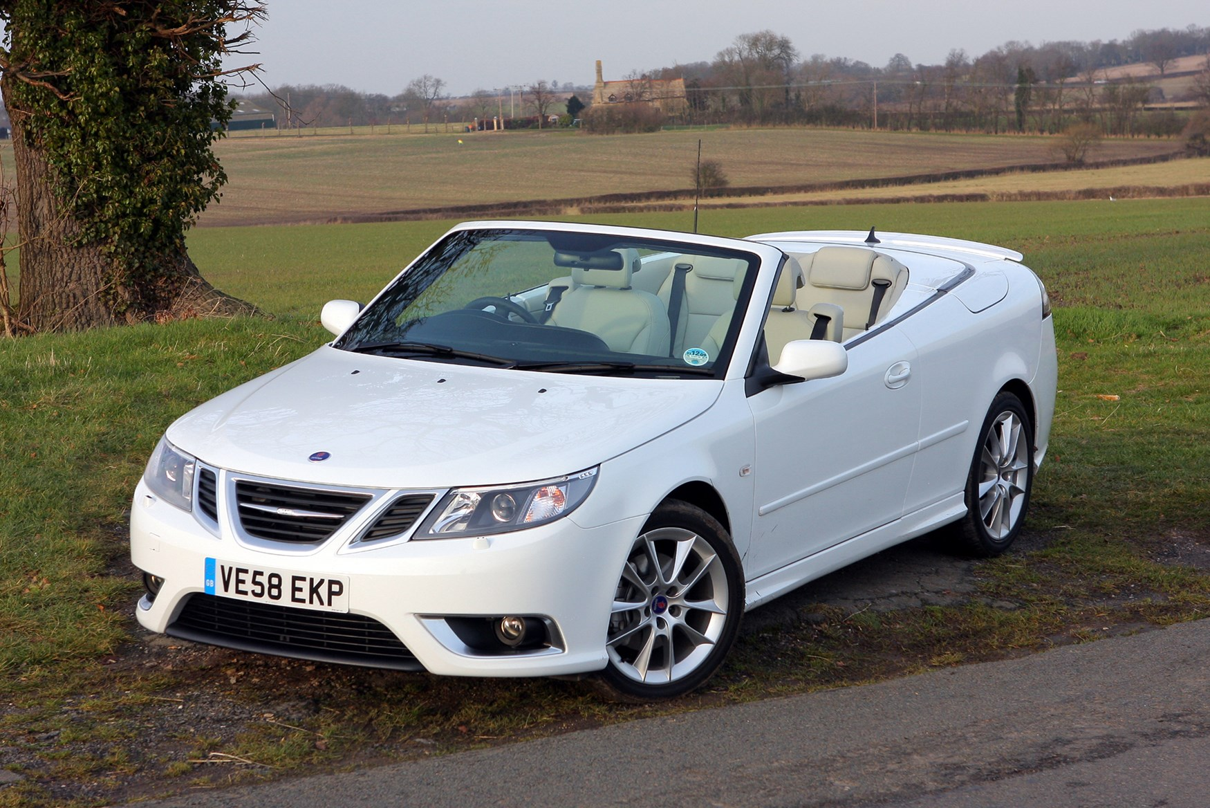 saab 9 3 convertible 2003 2011 features equipment and next rivals 3 previous buying selling