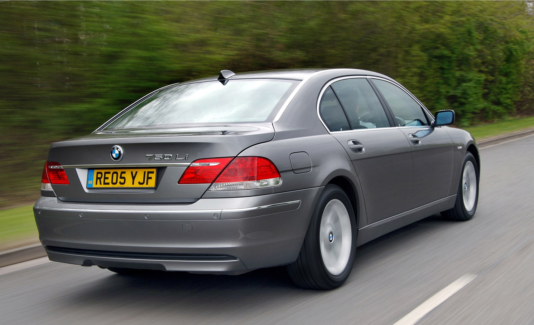 bmw 7 series saloon review 2002 2008 parkers. Black Bedroom Furniture Sets. Home Design Ideas