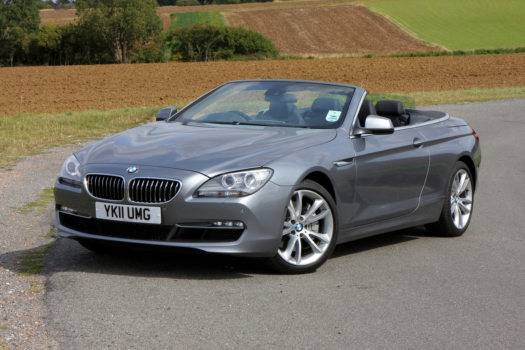 bmw 6 series convertible 2011 features equipment and. Black Bedroom Furniture Sets. Home Design Ideas