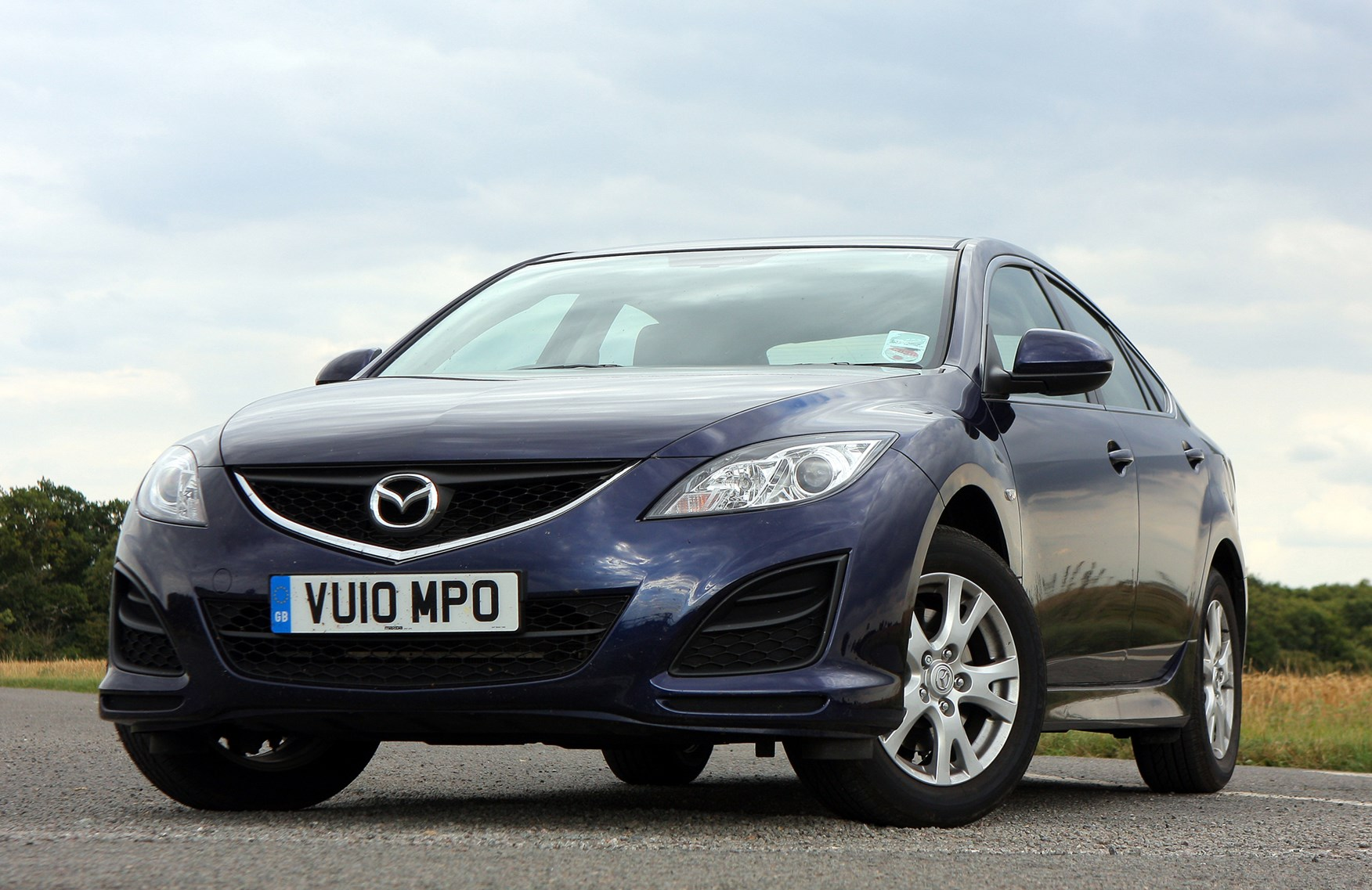 mazda 6 hatchback review 2007 2012 parkers. Black Bedroom Furniture Sets. Home Design Ideas