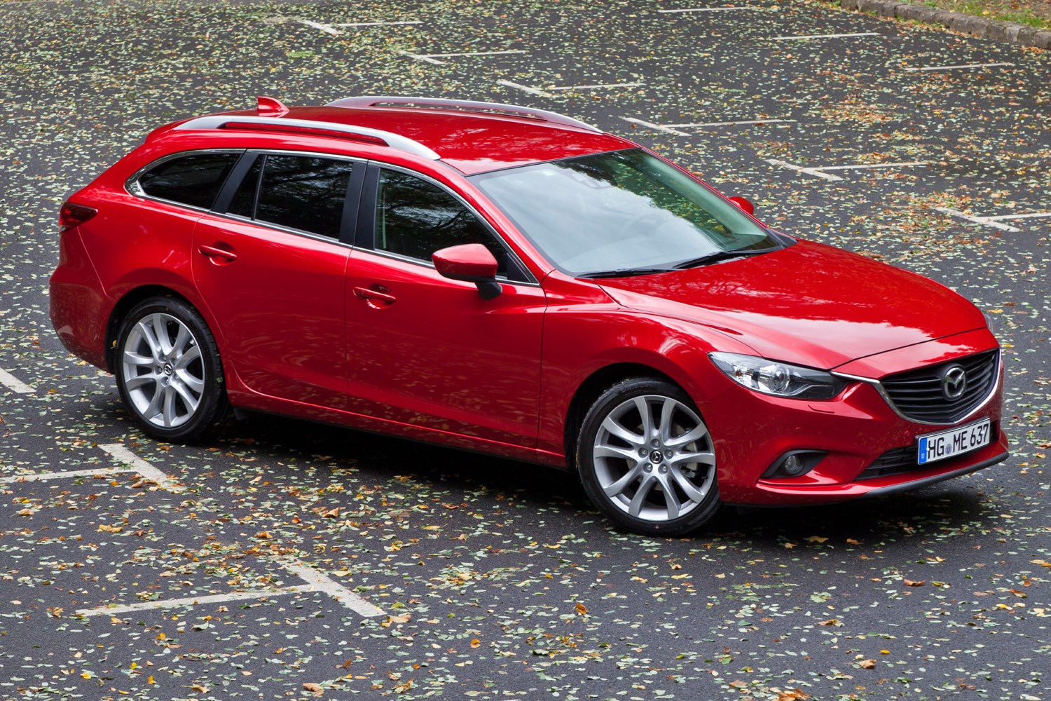 https://parkers-images.bauersecure.com/gallery-image/pagefiles/202906/static-exterior/1752x1168/mazda6_wagon_paris(94).jpg