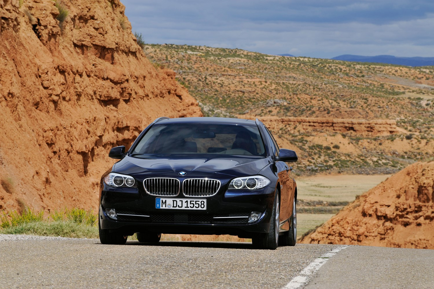 bmw 5 series touring review 2010 parkers. Black Bedroom Furniture Sets. Home Design Ideas