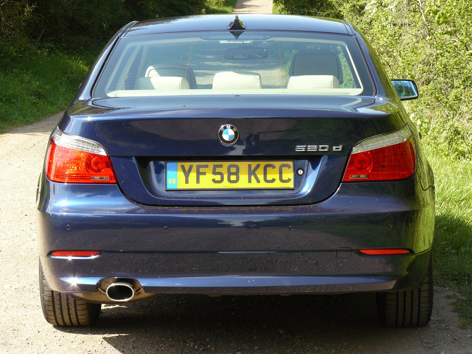BMW Series Saloon Review Parkers - Bmw 540i 2005