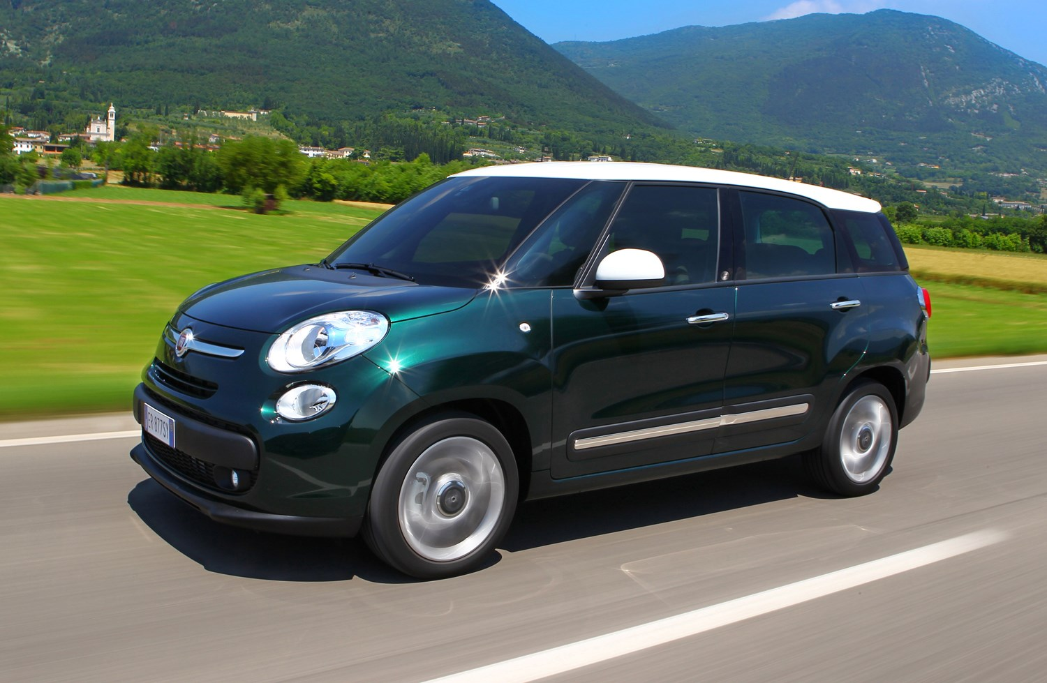 Fiat 500l Mpw Estate 2013 2017 Features Equipment And 500 Spare Tire Location How Much Is It To Insure