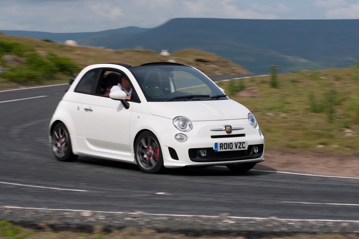 Abarth 500C Convertible Review (2010 - 2015)   Parkers