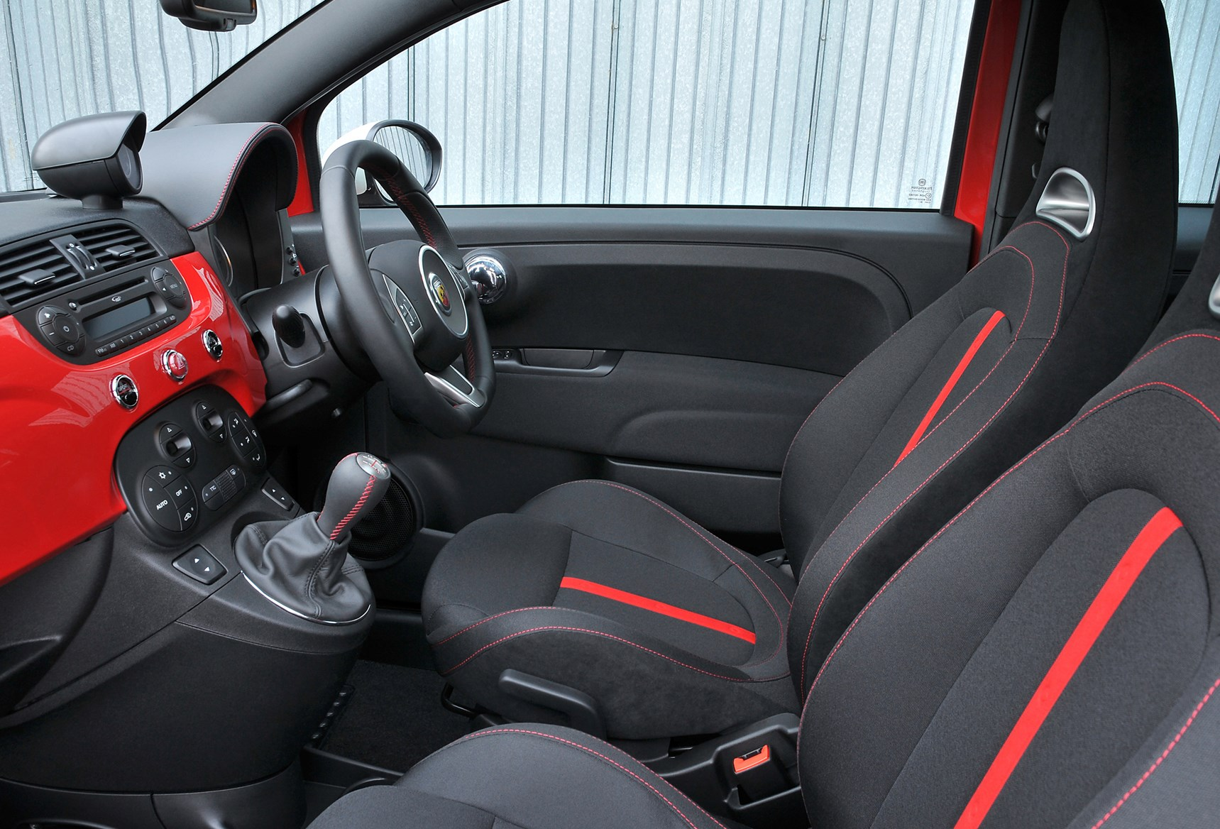 Abarth 500 Hatchback (2009 - 2015) Features, Equipt and ...
